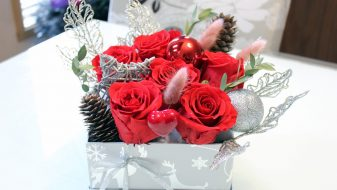 Vivid red preserved roses gift box