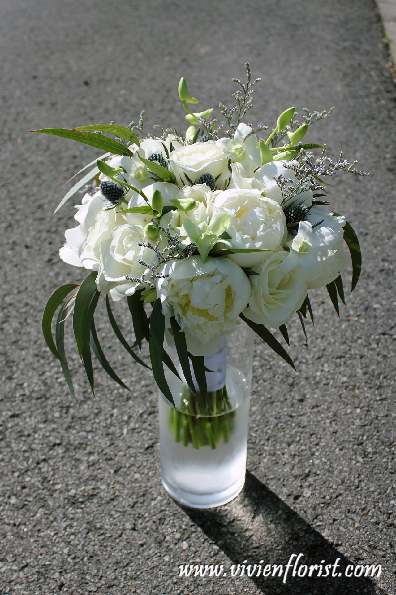 White peonies bridal bouquet Montreal