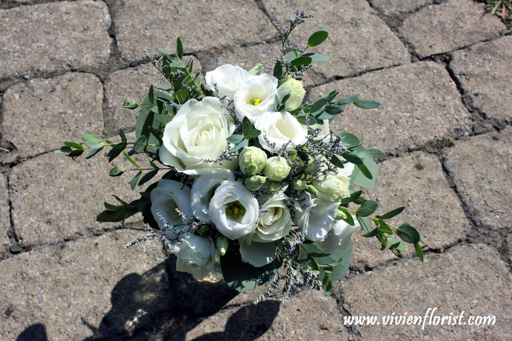Natural white and green succulent bridal bouquet Montreal