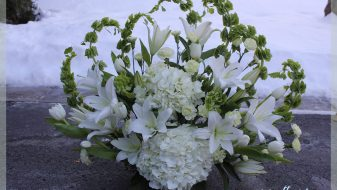 White lilies funeral flowers in Montreal